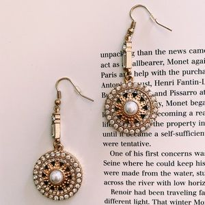 Round Pavé/Pearl Drop Earring |